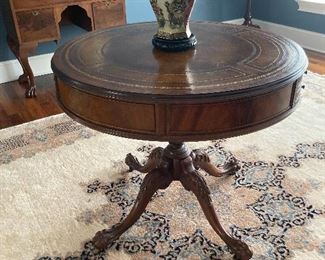 Round Accent/Entry Table w/Ball & Claw Feet & Inlay Detail