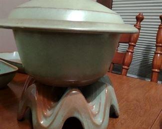 Frankoma prairie green bean pot with stand