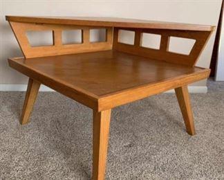 Lane MCM two tier corner table.