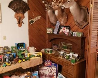 John Deere & Hunting accessories