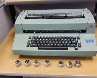 AIS004 - Vintage IBM Correcting Selectric II Typewriter w/Seven Type Element Balls