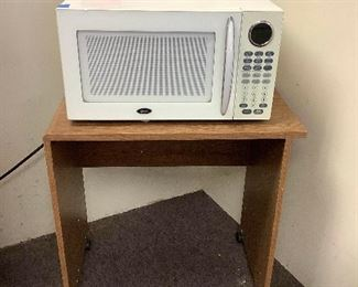 Ais007 Oster Microwave Model OGB81101 & Stand