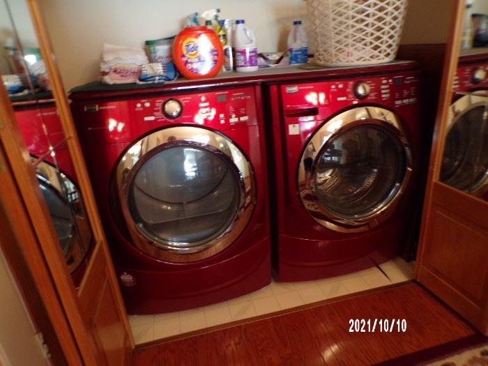 very nice washer & dryer