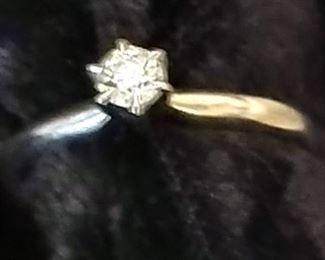 1/4 Carat Ring yellow gold.