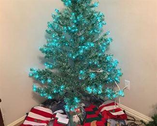 Blue Christmas tree, stockings