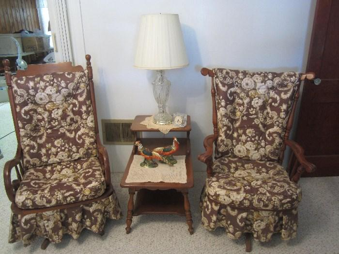Cute Early American Rockers, End Table, Lamps