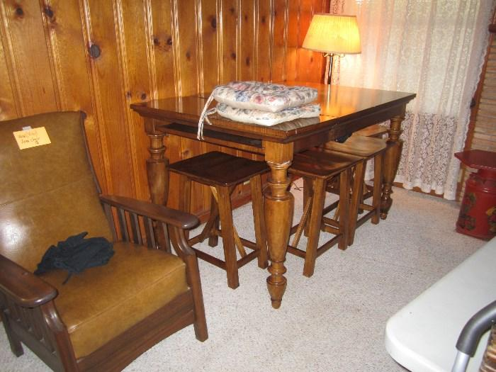 Cute Farm Table With Stools, (Needs repair)