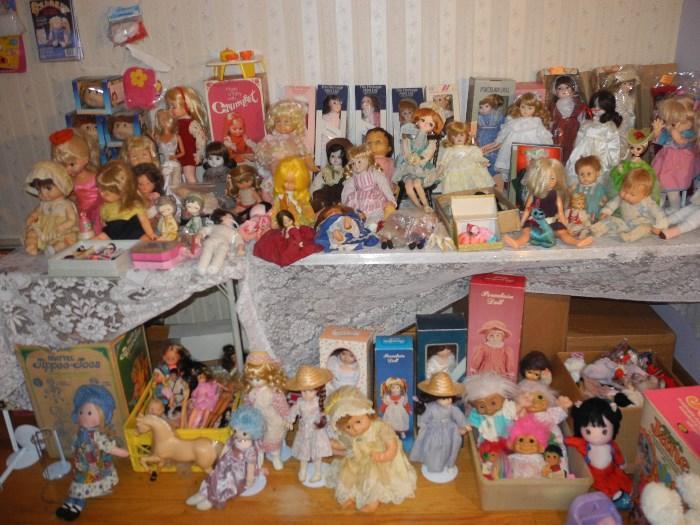 A room full of dolls!