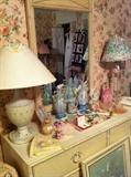 lamps, dresser, knick knacks