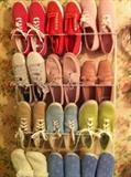 shoes (size 9-10)