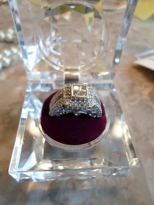 lovely 14K white gold, 1 58 CTW diamond ring