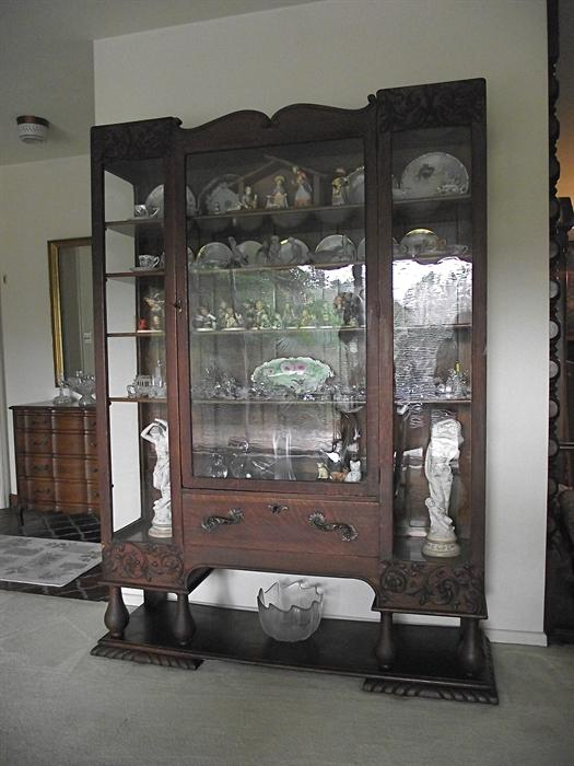 Exquisite Antique China Cabinet