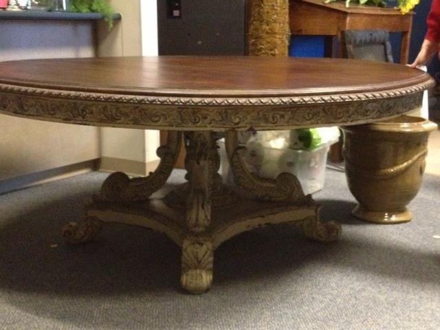 fabuous round dining table