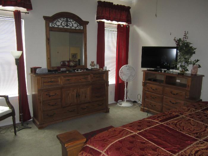 Nice Bedroom Furniture.  Picture does not do it justice.  TV is not for sale.