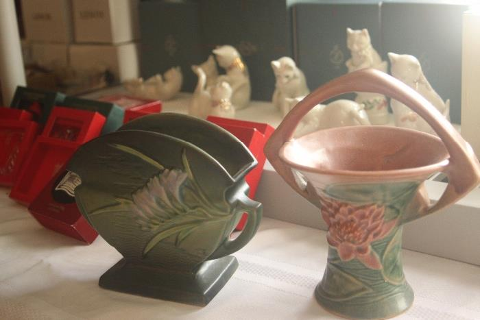 Roseville pottery pieces - excellent condition!
