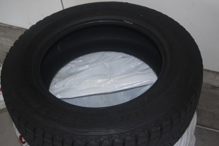 4 Bridgestone Blizzak tires (snow tires) used just one season 225/65R17 102R - used on a 2007 Honda CR-V