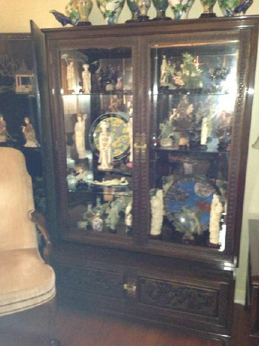 Fabulous chinese cabinet with jade and ivory figurines