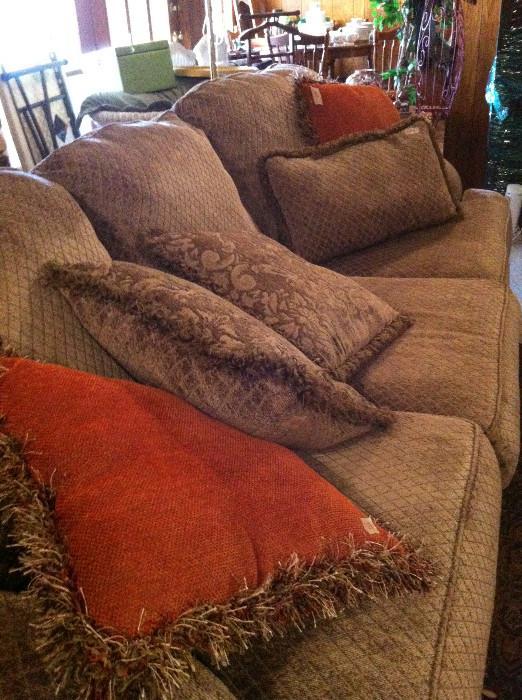 Extra nice sofa and pillows