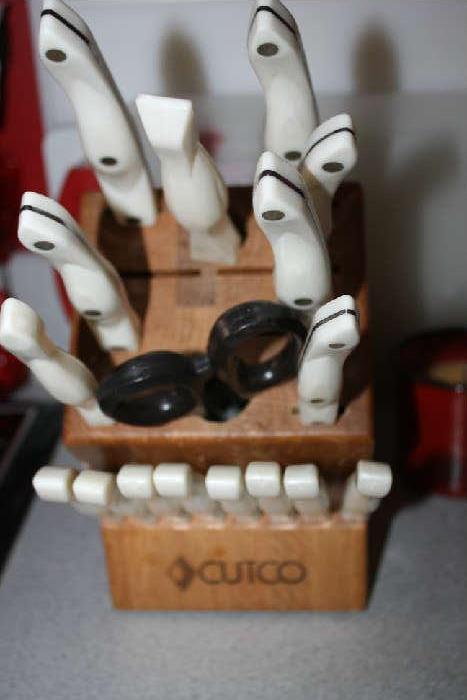 Cutco Knifes Set