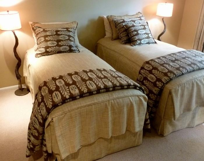 Custom Raw Silk Bedding with feather Duvets