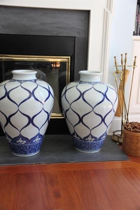 Important Chinese vases, purchased in New York City in the 1980s