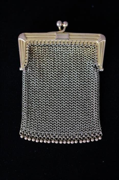 9 carat gold mesh purse
