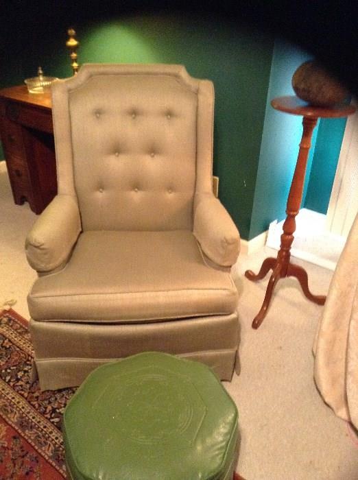 Club Chair, Ottaman