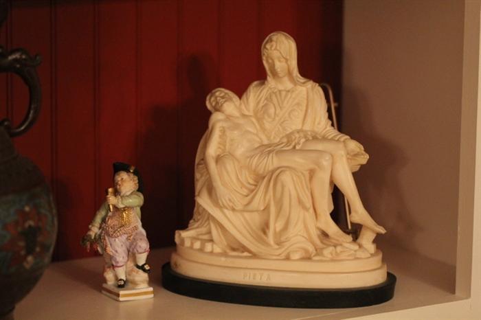 small Meissen, Pieta tourist souvenir