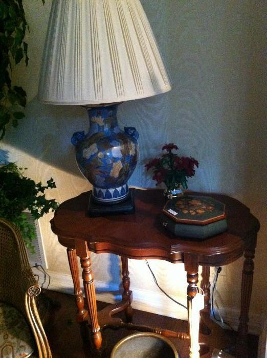 small 6-legged side table; lamp; inlaid box