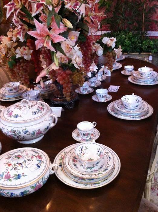 "Aynsley ""Pembroke"" Fine English China"