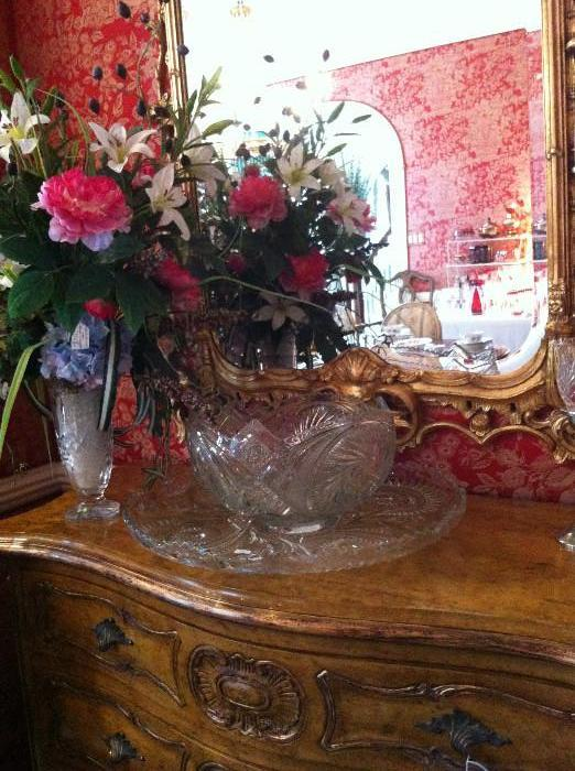 1 of 2 lovely Bombay chests; punch bowl; large tray; 1 of 2 matching mirrors