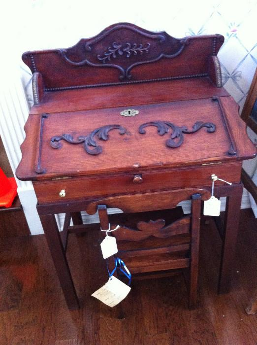 precious child desk & chair