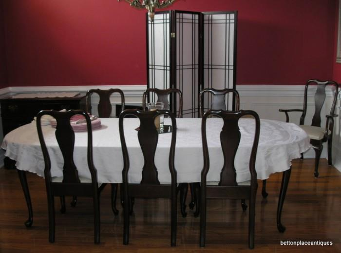 Mahogany Dining Table with 8 chairs including two Captain Chairs