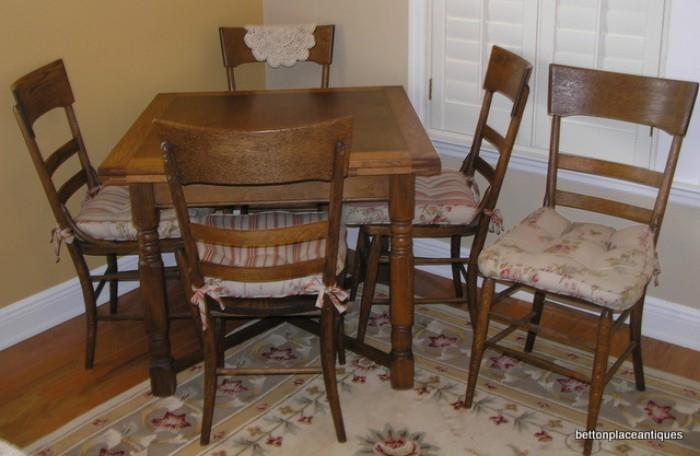 Oak English Pub table/5 chairs