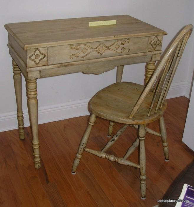 Leavenworth Desk antique re purposed unopened