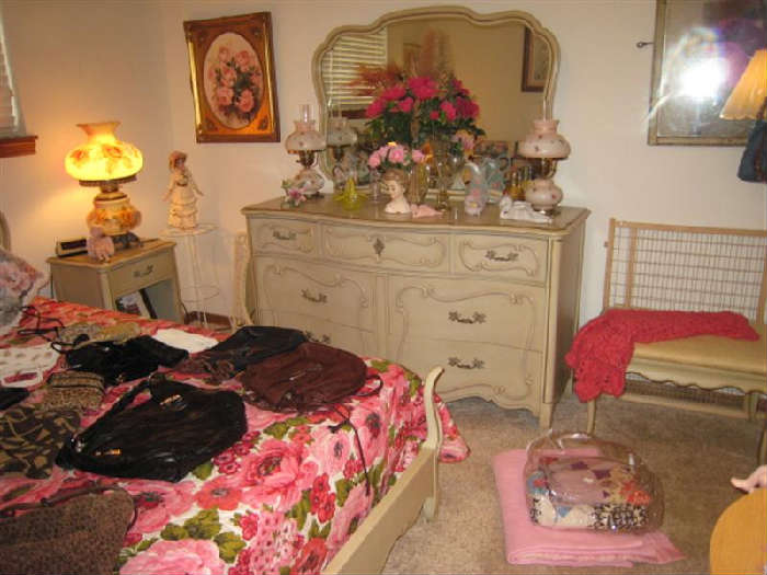 1960'S FRENCH PROVENCIAL BEDROOM SUITE