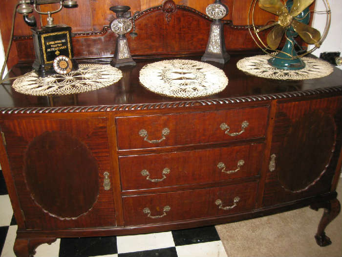 ANTIQUE ENGLISH OAK CHIPPENDALE SERVER