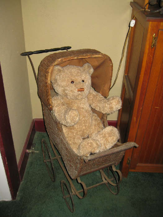 ANTIQUE WICKER BABY CARRIAGE...PERFECT FOR A DOLL COLLECTION