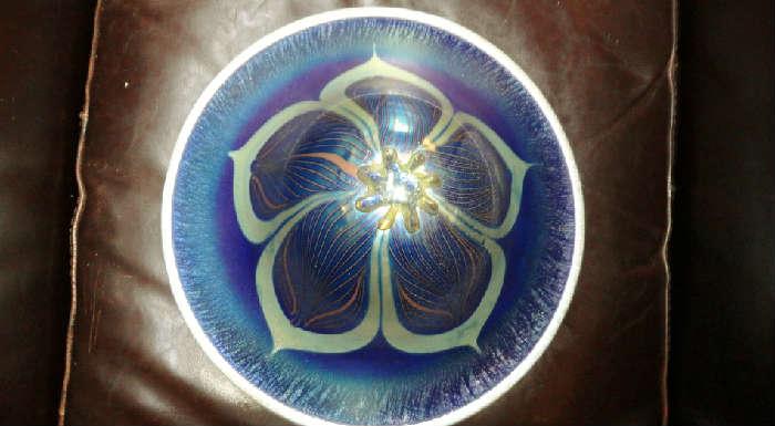 John Cook Studios - wonderful blown art galss lamp signed by artist @ www.crowncityestatesales.com