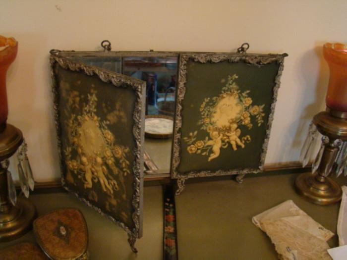 TRIPLE HANGING MIRROR