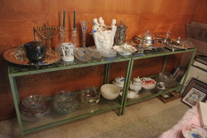 Assorted Glassware & Decorative Accessories
