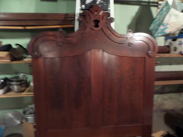 ANTIQUE BED W/LARGE POSTS