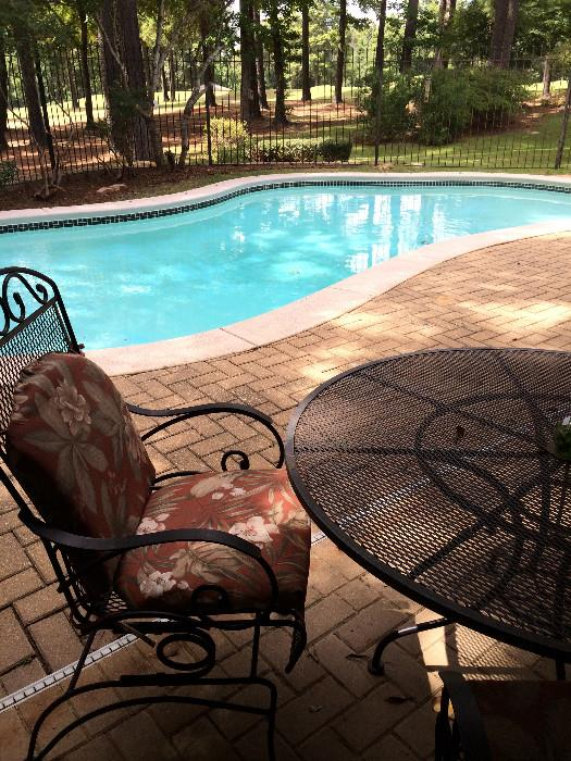 Patio spring chairs with pads
