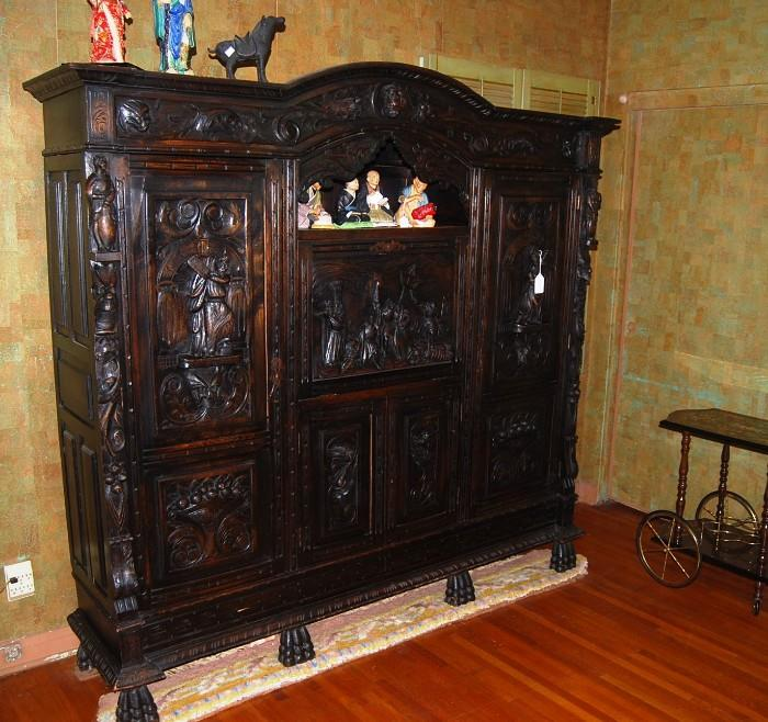 CARVED EUROPEAN CABINET