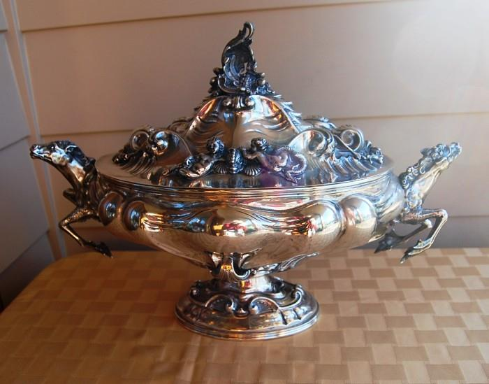 .800 SILVER CENTERPIECE BY PERUZZI BROTHERS SIMILAR TO BUCELLATI OR CARTIER - 3434 GRAMS - LENGTH:  19 INCHES