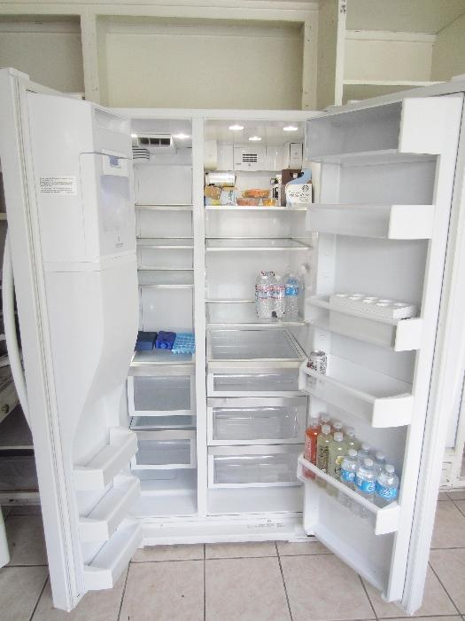 Near new,2011, Kitchen Aid ref