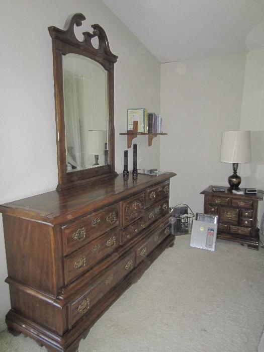 Nice 6 piece bedroom set