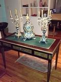 BEAUTIFUL ANTIQUE TABLE WITH CLOCK & CANDLEHOLDERS SET