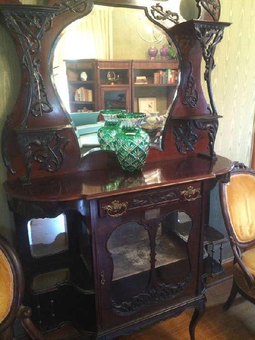 Green Venetian vase;