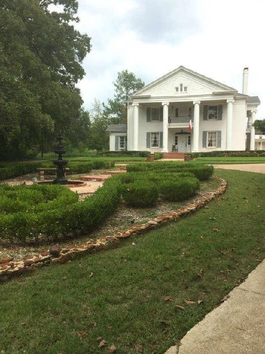 This 1930's home was built in Arp, Texas, by one of H.L. Hunt's petroleum engineers.